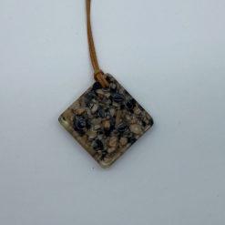 EM Keramik Harz Halskette Quadrat